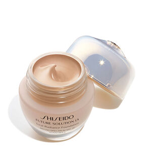 Total Radiance Foundation SPF 15, Rose 4