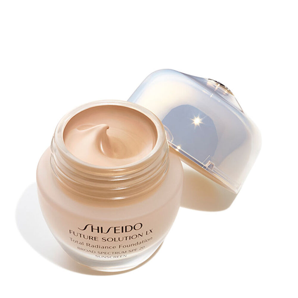 Total Radiance Foundation SPF 15, Neutral 3